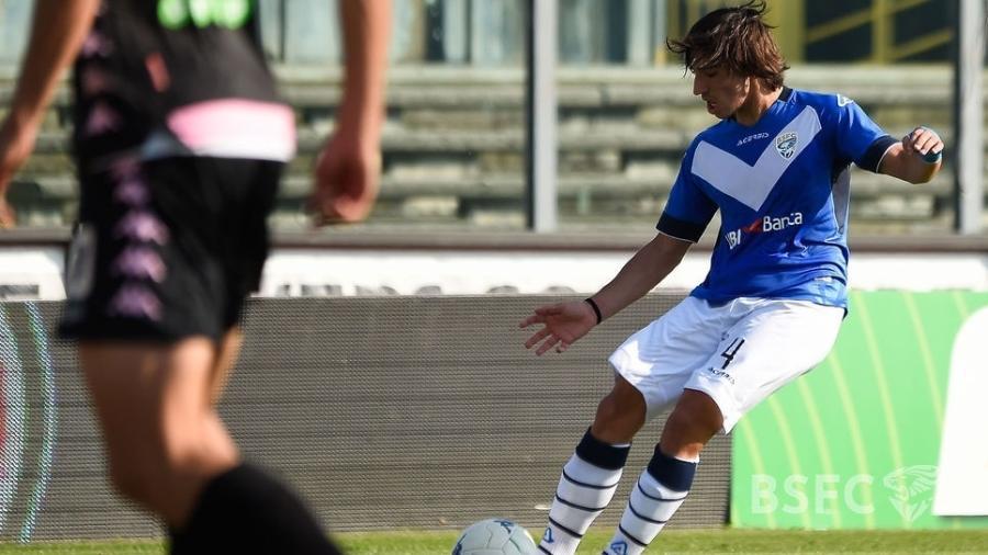 Sandro Tonali em ação pelo Brescia, jovem é alvo de vários clubes - Divulgação/Brescia