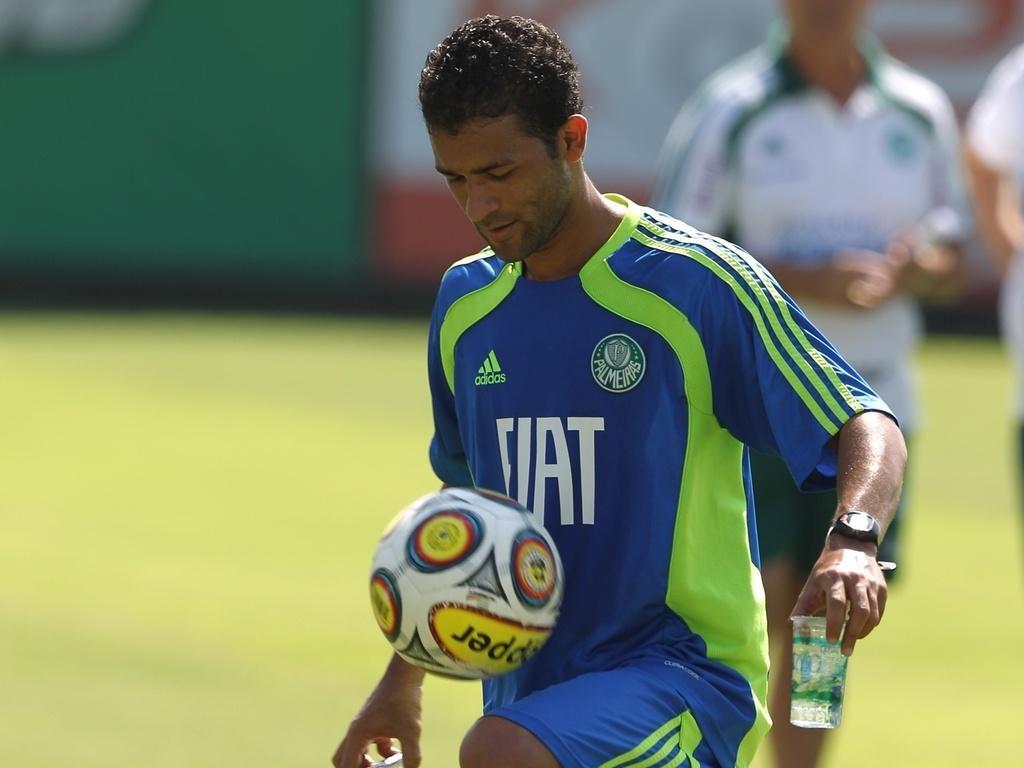 Como São Paulo hoje, Palmeiras liderou em 2009, mas faltou elenco