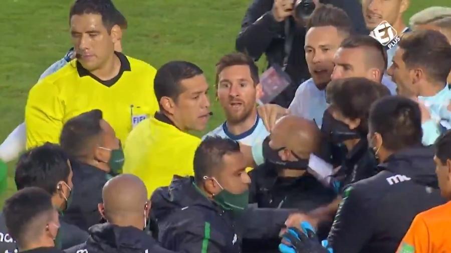 Messi e Marcelo Moreno se irritam e discutem após Bolívia x Argentina - Reprodução/Twitter