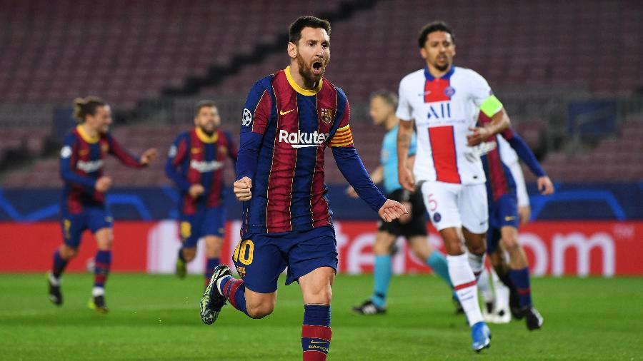 Messi comemora após marcar para o Barcelona contra o PSG pela Liga dos Campeões - David Ramos/Getty Images