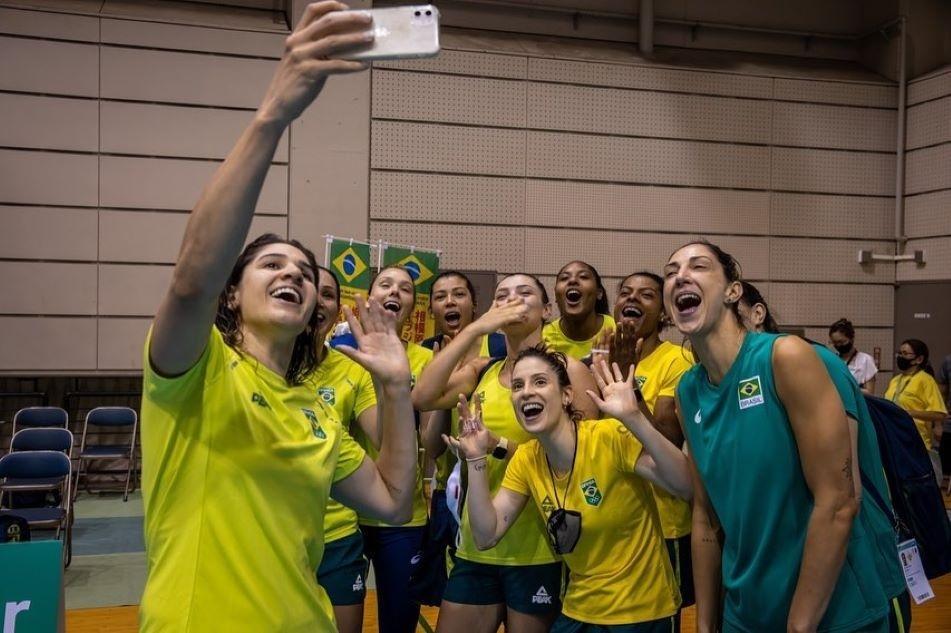 Seleção brasileira de vôlei feminino fez último teste antes de estrear na Olimpiada