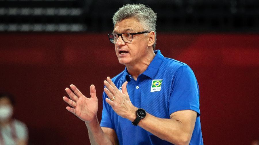 Técnico Renan Dal Zotto, da seleção masculina de vôlei, venceu  covid antes de ir às Olimpíadas - Gaspar Nóbrega/COB