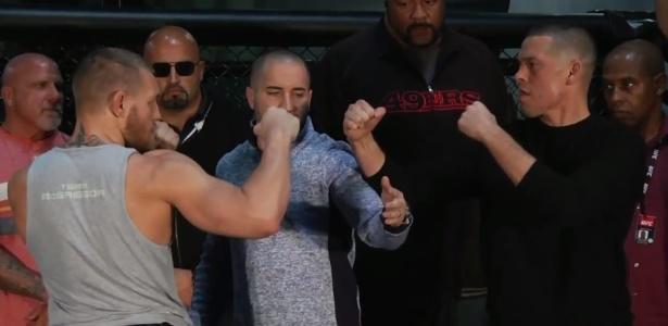 McGregor e Diaz fazem a primeira encarada após duelo ser confirmado - Reprodução/Youtube