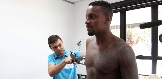 Zagueiro Cleber tinha exame médico marcado nesta sexta-feira na capital paulista
