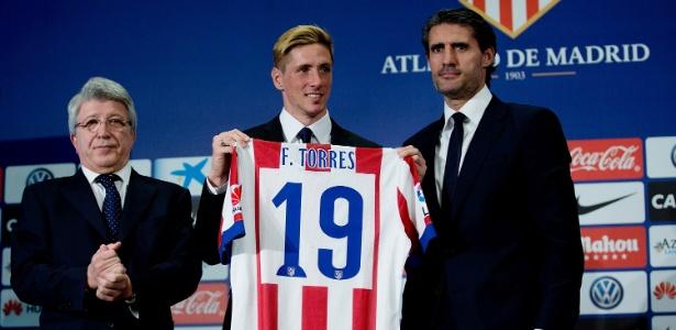 À esquerda, presidente do Atlético despistou sobre a renovação com Fernando Torres