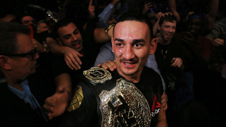 Max Holloway  já está no Rio de Janeiro para a disputa do UFC 212 - Vaughn Ridley/AFP