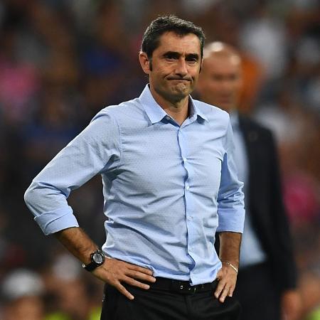 Ernesto Valverde, técnico do Barcelona, durante a partida contra o Real Madrid - AFP PHOTO / GABRIEL BOUYS