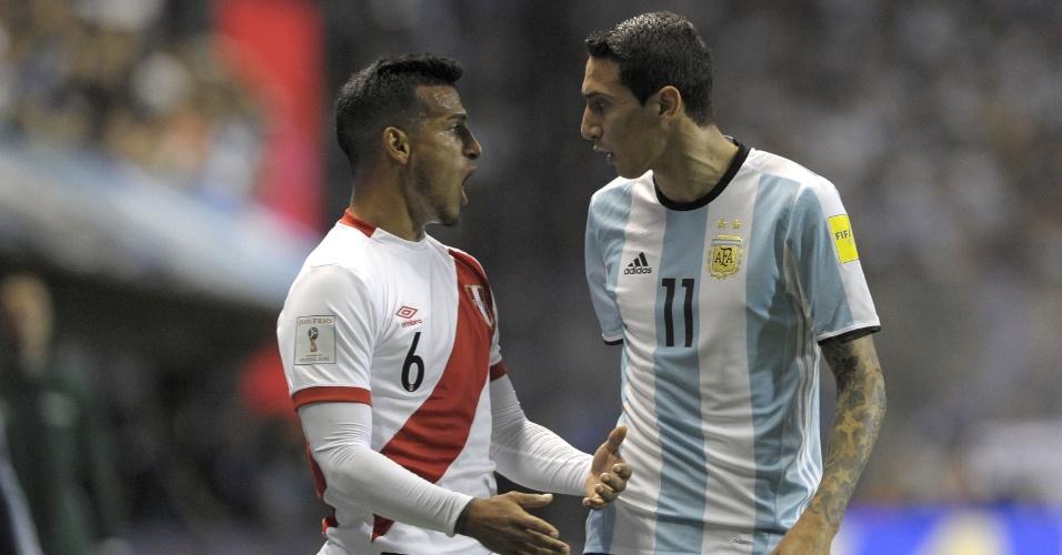 Trauco e Di Maria discutem durante confronto entre Argentina e Peru