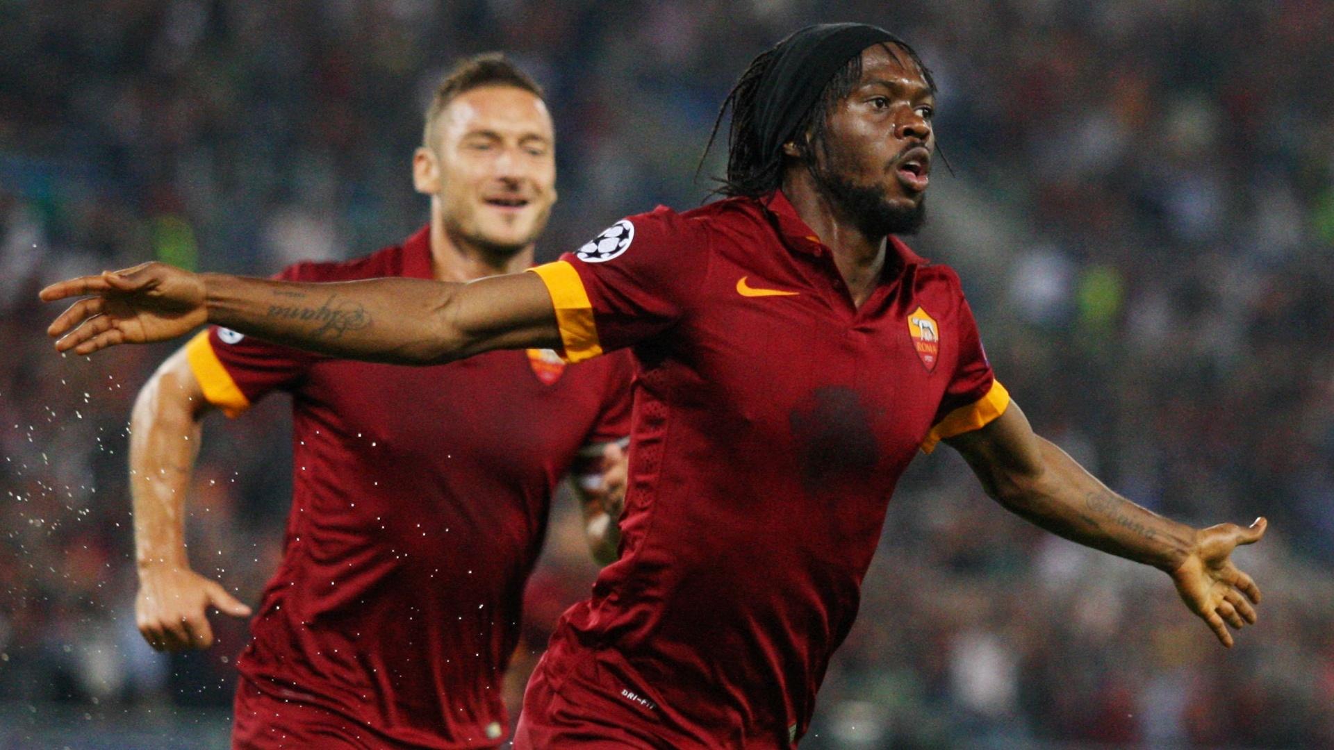 Gervinho comemora gol anotado com a camisa da Roma
