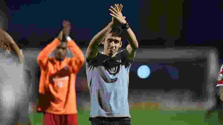 Ricardo Colbachini, técnico interino do Internacional, mudou a formação do time, e deu certo - Ricardo Duarte/Inter