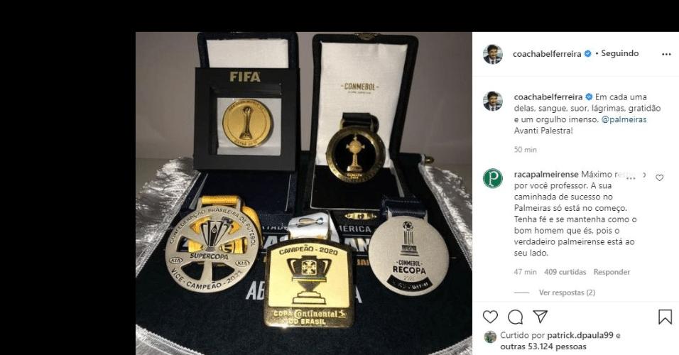 Abel Ferreira posta foto de medalhas pelo Palmeiras