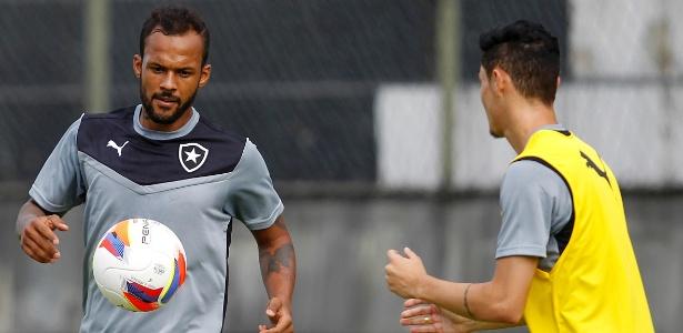 Botafogo não tem reserva para a ausência de Bruno Silva e precisa mudar esquema