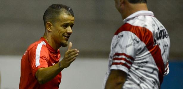 Meia manteve contato com Ariel, Paulo Roberto Falcão e Nico López nos últimos dias