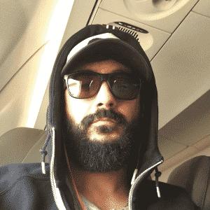Douglas de óculos escuros em foto no Instagram - Reprodução/Instagram