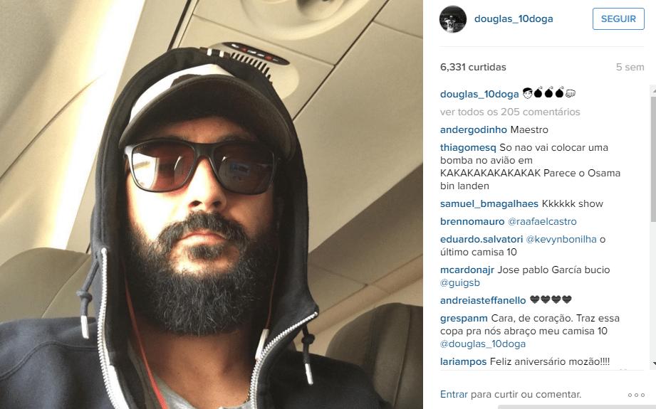 Douglas de óculos escuros em foto no Instagram