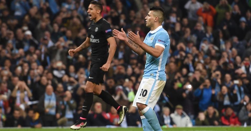 Sérgio Agüero lamenta após desperdiçar chance para o Manchester City contra o PSG pela Liga dos Campeões