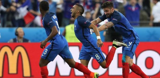 Payet (ao centro) é um dos principais nomes da França na Eurocopa