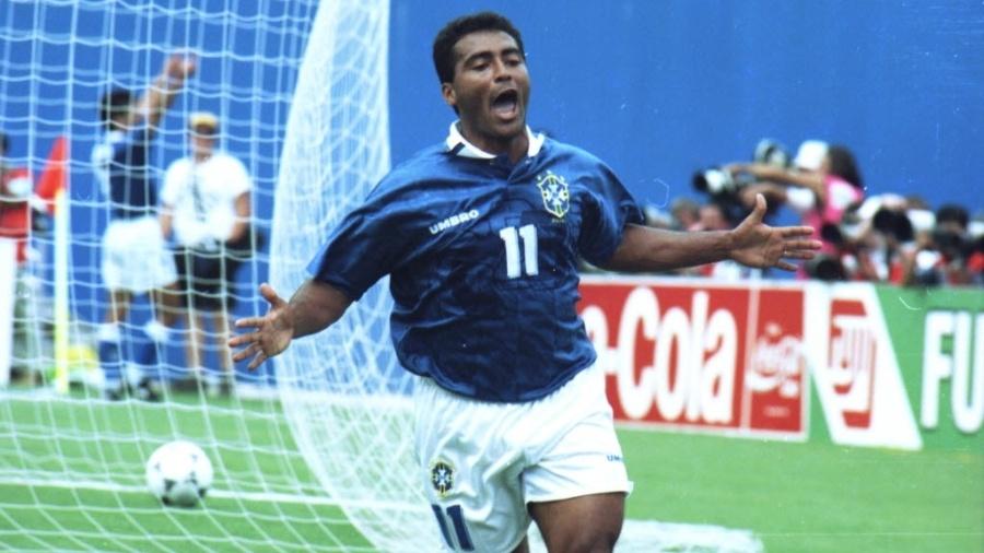 Romário comemora gol pela seleção contra a Holanda na Copa de 1994 - Ormuzd Alves/Folhapress