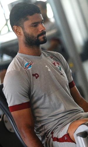 O zagueiro Gum durante treino físico no Fluminense