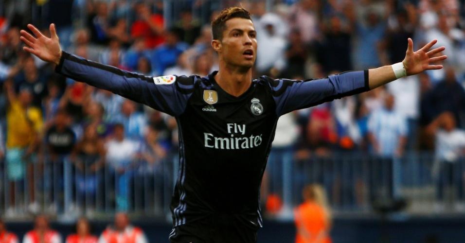 Cristiano Ronaldo comemora gol marcado pelo Real Madrid sobre o Málaga na última rodada do Espanhol