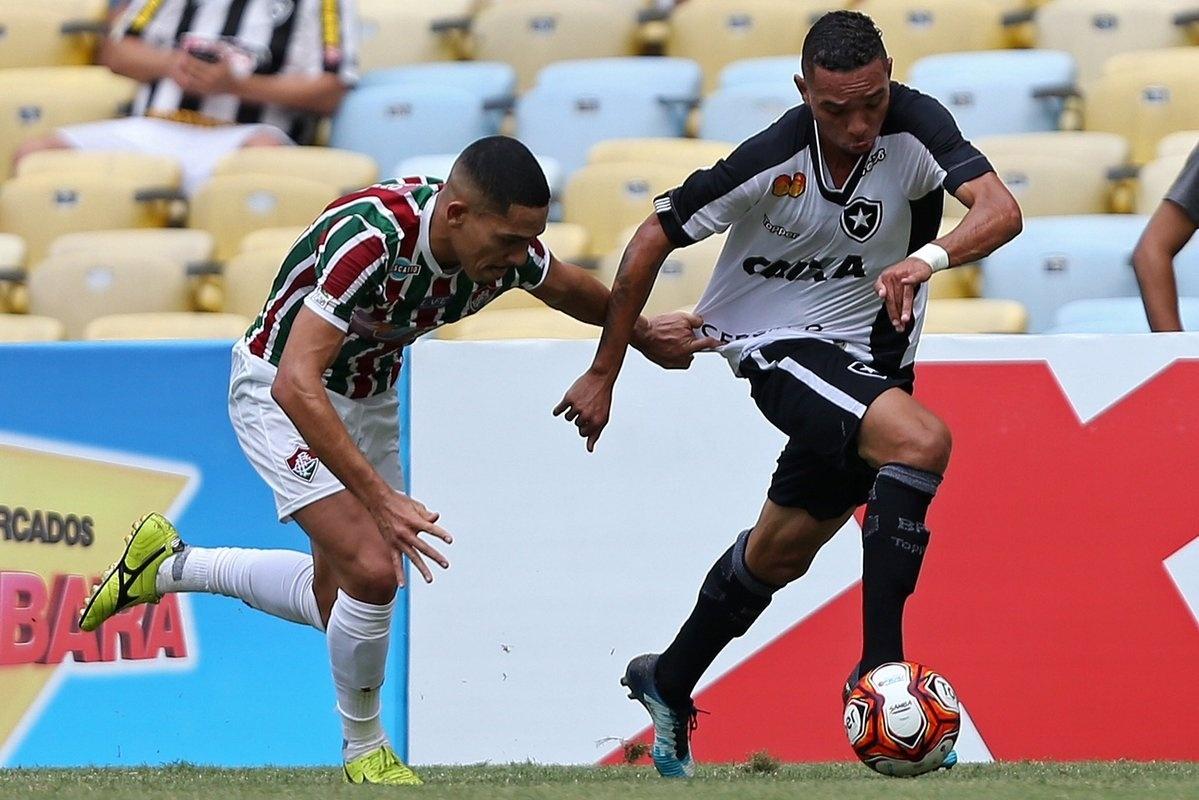 Gilberto e Luiz Fernando em Fluminense x Botafogo