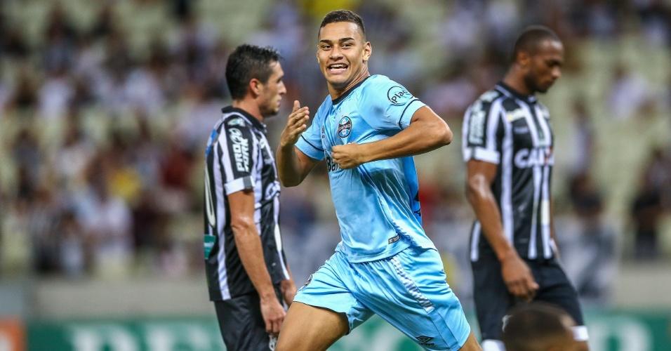 Thonny Anderson comemora gol marcado para o Grêmio contra o Ceará