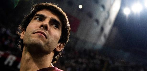 Kaká em visita ao estádio do Milan durante a partida com a Roma, no fim de semana - MARCO BERTORELLO / AFP