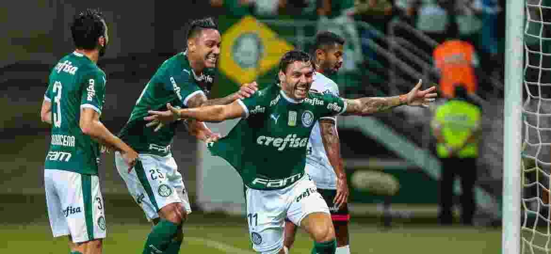 Ricardo Goulart comemora seu gol para o Palmeiras em partida contra o Ituano - Ale Cabral/AGIF