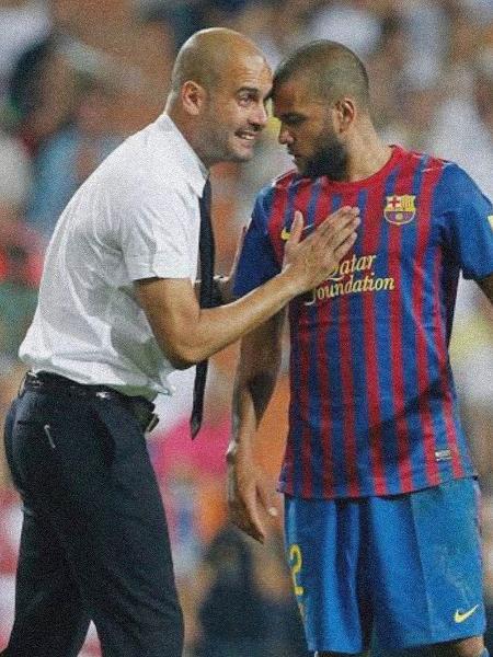 Daniel Alves e Pep Guardiola no Barcelona - Reprodução/Instagram