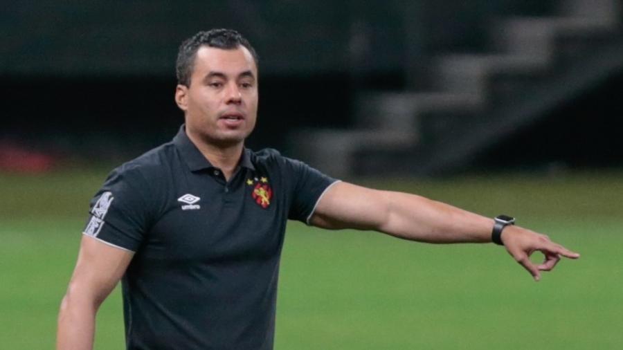Jair Ventura comanda o Sport em jogo contra o Corinthians na Neo Química Arena - Marcello Zambrana/AGIF