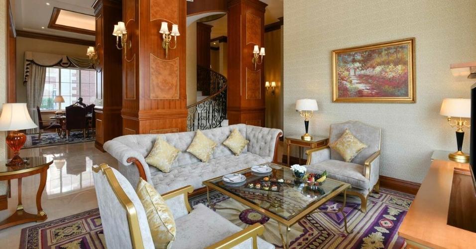 Vista do quarto de luxo do Al Aziziyah Boutique Hotel