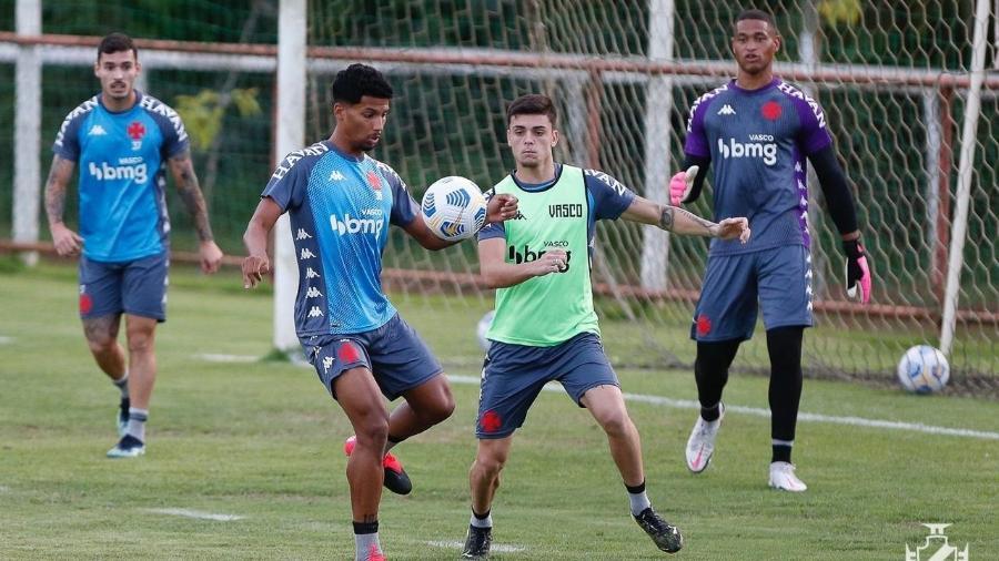 Vasco encerrou a preparação para o duelo na Copa do Brasil com um treino ontem no CT do Tombense - Rafael Ribeiro / Vasco