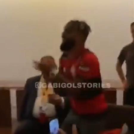 Gabigol comandou a provocação dos jogadores horas depois da Supercopa - Reprodução/Instagram