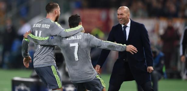 Zidane admitiu que o português é intocável na sua equipe, mas justificou citando desempenho  - Alberto Pizzoli/AFP Photo