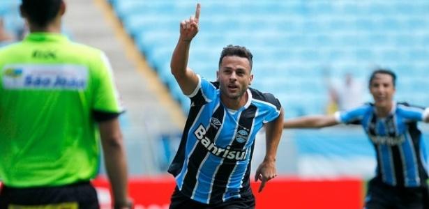 Bobô fará parte do time reserva do Grêmio que pega o Cruzeiro-RS, neste sábado