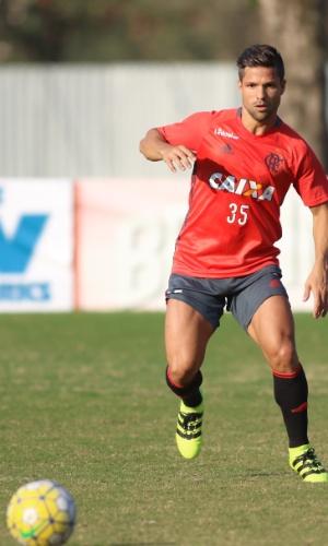 Diego treina com bola no Flamengo