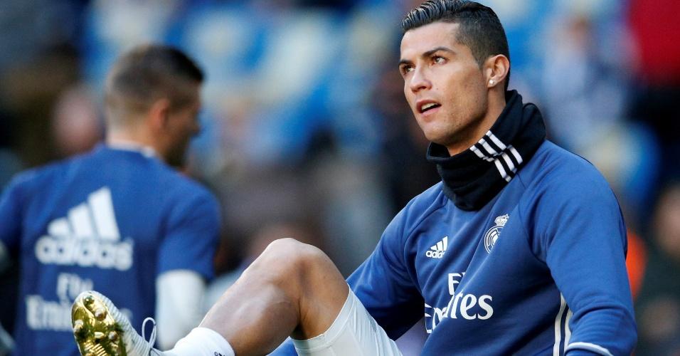 Cristiano Ronaldo recebeu homenagem de ídolos do Real Madrid