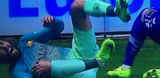 Barcelona perdeu Aleix Vidal por um tempo em razão de fratura no tornozelo direito