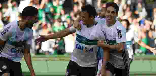 Kléber foi campeão e artilheiro pelo Coritiba em 2017 - Guilherme Artigas/FotoArena/Estadão Conteúdo