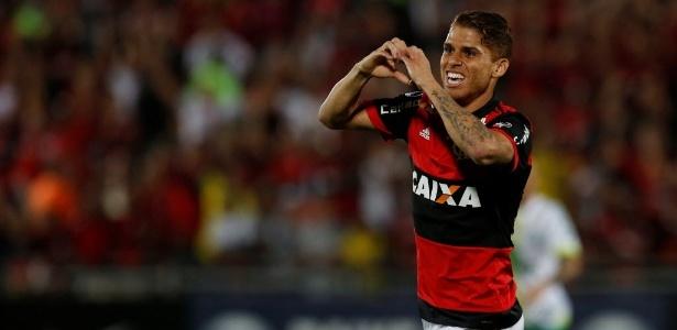 Cuellar teve grande atuação e foi coroado com um gol diante da Chapecoense - Bruno Kelly/REUTERS
