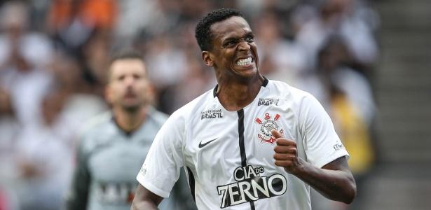 Jô foi campeão brasileiro com o Corinthians em 2017