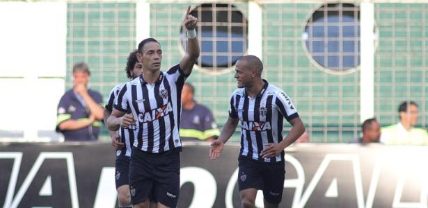 Ricardo Oliveira comemora gol do Atlético-MG contra o Cruzeiro pelo Campeonato Mineiro