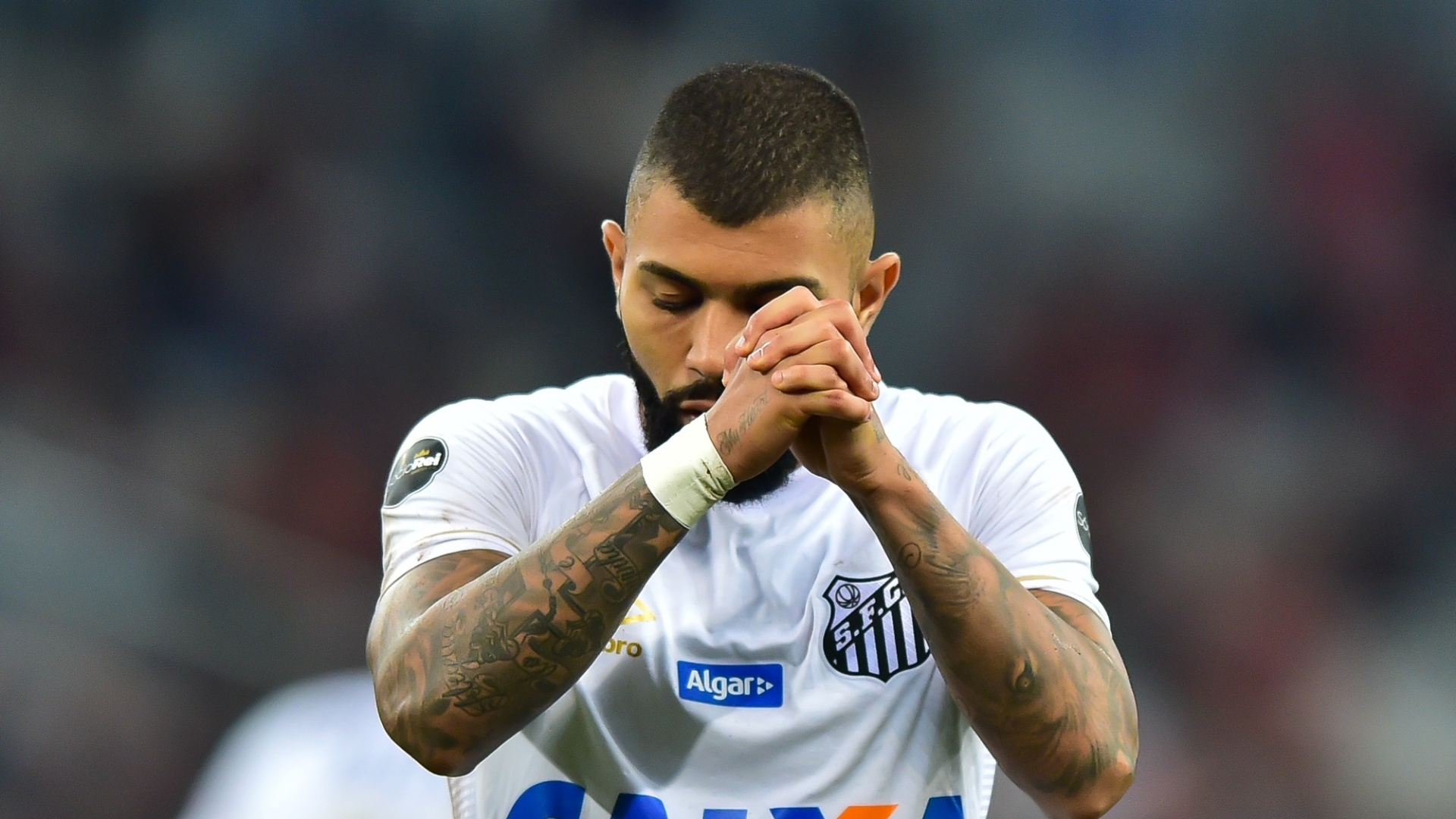 Gabigol lamenta oportunidade perdida em Atlético-PR x Santos