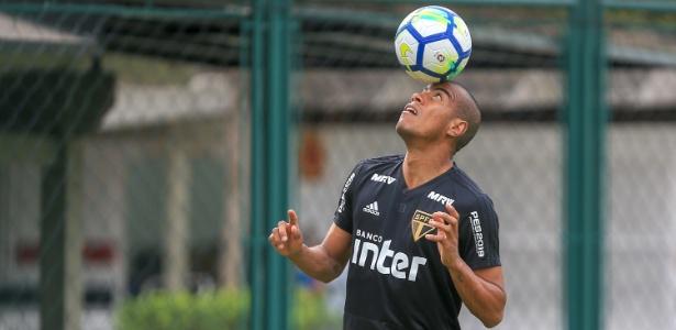 O jogador Régis, que teve o seu contrato rescindido com o São Paulo, foi detido em Brasília - Bruno Riganti/AGIF