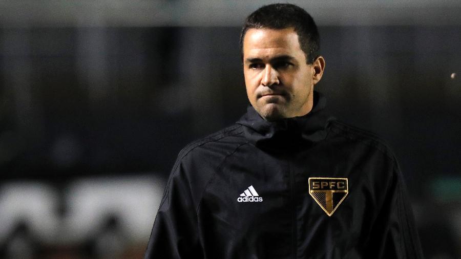 André Jardine durante a eliminação do São Paulo na Libertadores - Daniel Vorley/AGIF