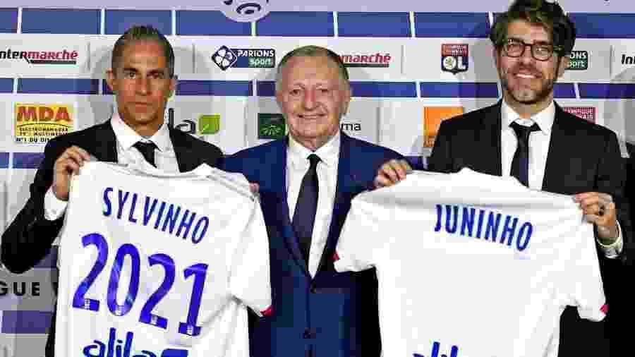 Sylvinho e Juninho Pernambucano são apresentados no Lyon - Divulgação