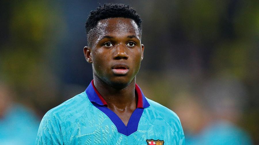 Ansu Fati tem 18 anos e vinha ganhando espaço na equipe titular do Barça até sofrer uma lesão no joelho - Thilo Schmuelgen/Reuters