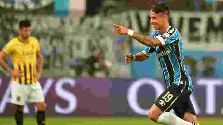 Ferreira comemora gol marcado pelo Grêmio sobre o Guaraní (PAR) na Copa Libertadores - Silvio Avila - Pool/Getty Images - Silvio Avila - Pool/Getty Images