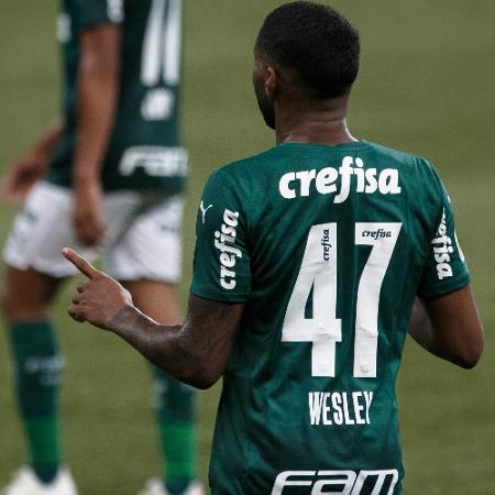 Wesley comemora gol contra o Grêmio - Ettore Chiereguini/AGIF