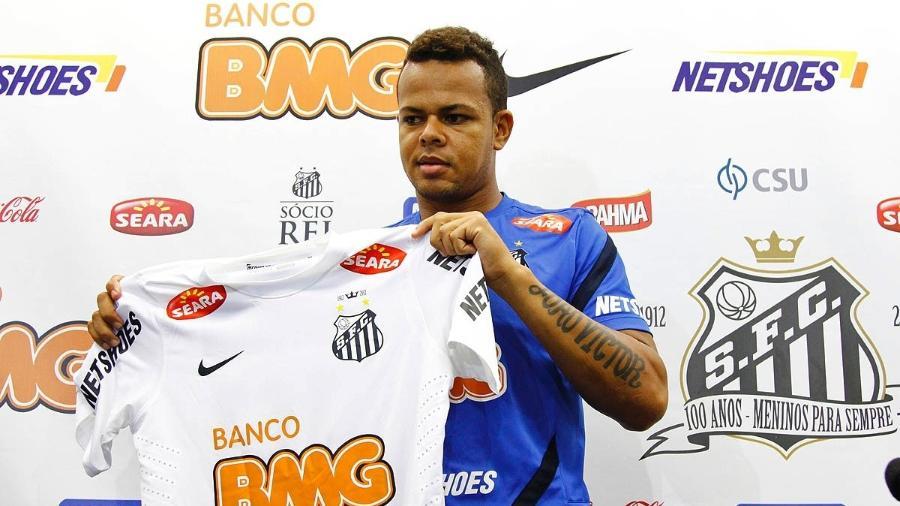 Bill foi contratado pelo Santos em 2012 - Ricardo Saibun / Divulgação Santos FC